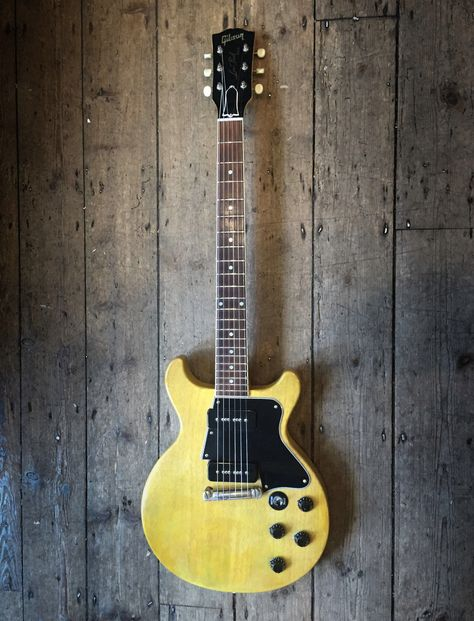 1 Set Blank Pickguard Material 3-ply Guitar Bass Pickguard Blank .090 Thick 43CMx29CM,White