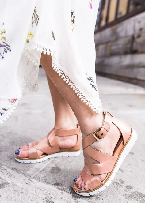 Gold sandals outfit, Stylish walking shoes
