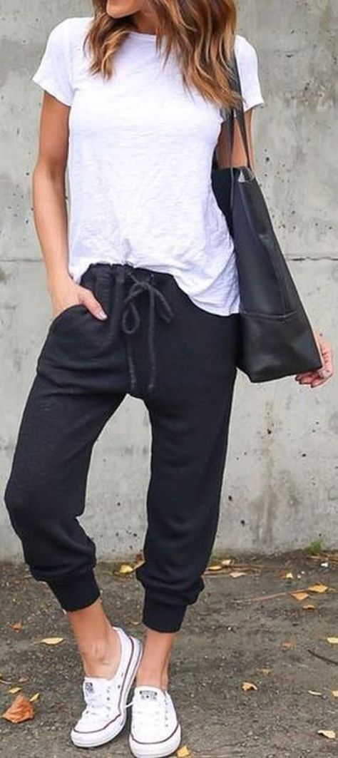 Stylish Womens Jogger Outfits Ideas For Winter 07 Wear4trend Jogger Outfit Outfit Mode Outfits