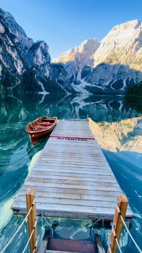 beautifuldestinations on Instagram: A majestic lake with stunning shades of turquoise-green. #nofilter 💎 Isn't Lake Braies a sight to behold? Also known as Pragser Wildsee,…