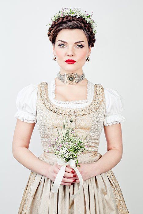 Lena Hoschek Dirndl & Trachtenmode - DirndlKaufen.com