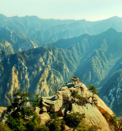 So, either these people really like dangerous climbing, or they really like tea. Either way, you should probably check out the teahouse at the top of Mt. Hua Shan.