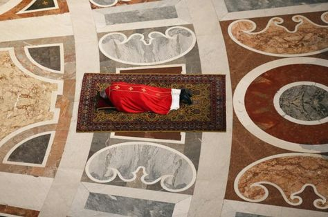 Pope Francis Lies Prostrate As He Prays During The Celebration Of The Lord S Passion In Saint Peter S Basilica Pope Francis Crucifixion Of Jesus Year Of Mercy