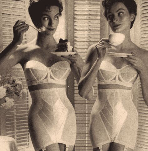 Vintage black and white advertisement from the for Warner's bras and girdles. Ad displays two women in their underwear with the tagline: Ever wish there were two of you? Lingerie Retro, Classic Lingerie, Jolie Lingerie, French Lingerie, Bra Lingerie, Lingerie Models, Vintage Girdle, Vintage Underwear, Vintage Bra