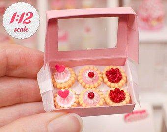 Lot 3pcs Mini Square Cake Dolls House Miniature Sweet Food 1:12th