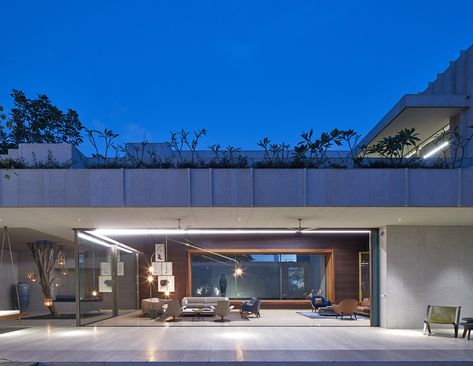 Cross Shaped Modern Home In Peaceful Landscaped Gardens My Home