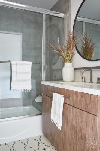 Renovating To Rustic A Venice Townhouse S Modern Makeover Renovations Homepolish Shower Tile
