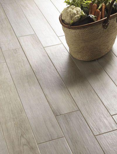 Pavimento de gres porcelánico con textura de madera Piezas