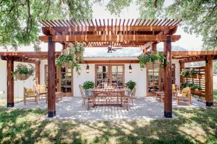 In One Of Their Biggest Challenges Yet In Terms Of Redefining Spaces And Floorplan Joanna And Chip Take On A Quirky H Backyard Pergola Outdoor Pergola Pergola