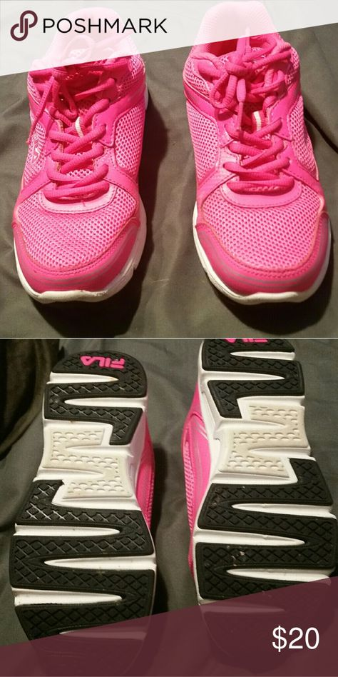 30cb122c7815 Fila Sz 7.5 Like Pink Filas in like new condition. Size 7.5. Fila Shoes  Athletic Shoes