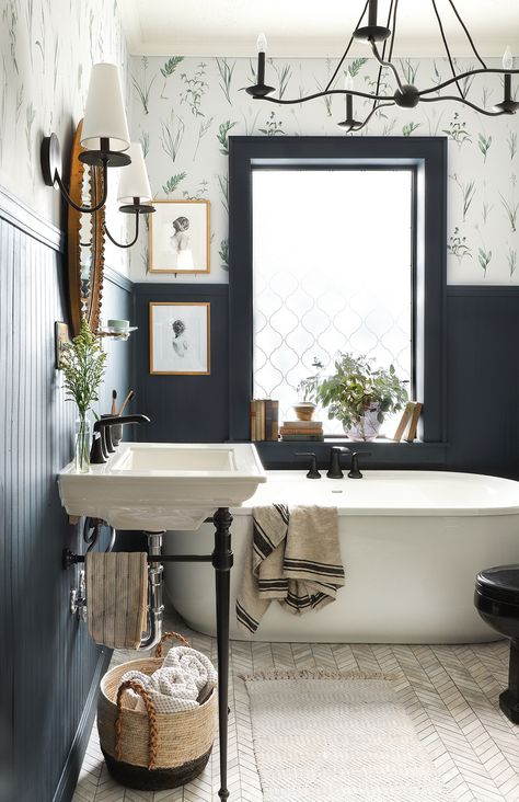 Must-See Makeovers von der Herbst 2019 One Room Challenge – marble bathroom Upstairs Bathrooms, Small Bathroom, Farmhouse Bathrooms, Modern Farmhouse, Master Bathrooms, Bathroom Ideas, Bathroom Black, Modern Bathrooms, Bathroom Organization