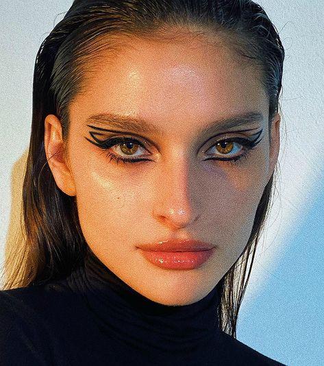 Edgy Makeup, Makeup Eye Looks, Eyeliner Looks, Eye Makeup Art, Cute Makeup, Pretty Makeup, Makeup Inspo, Skin Makeup, Makeup Inspiration