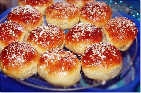 Pikkupallat - süße Brötchen aus Finnland ~ Pikkupallat - sweet buns from Finland