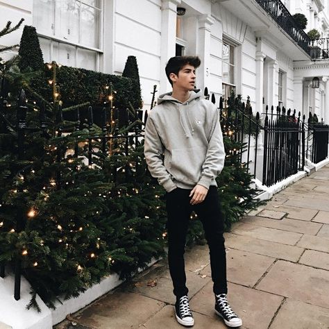 30 Cool and Sporty Casual Outfit Ideas for Teen Boys 2019