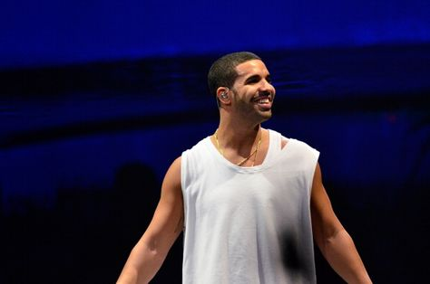 Drake Performs In Newark And Brooklyn For 'Would You Like A Tour?' (Photos)