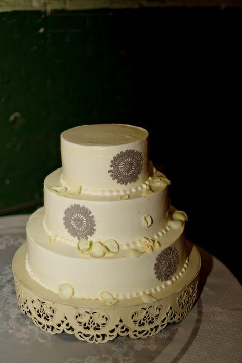 Vintage Style White Wedding Cake