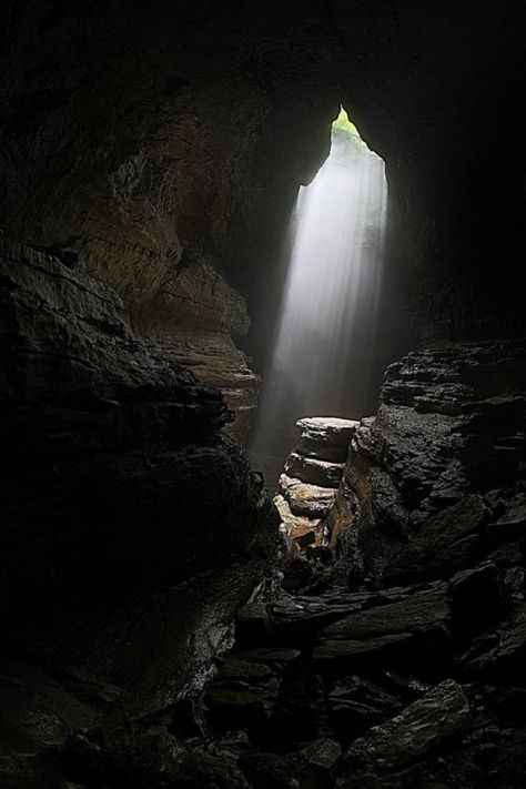 Going Into These 12 Caves In Alabama Is Like Entering Another World