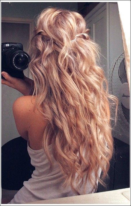 Madchen Frisuren Idee Lassige Langwellige Blonde Wellen Beste Frisuren Frisur Lange Haare Locken Frisur Ideen Lockige Frisuren