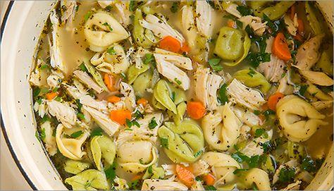 Pimp ton plat… La soupe poulet et nouilles tortellinis. En fait, 12 façons de réinventer la soupe poulet et nouilles.