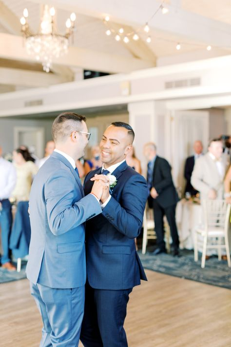 #firstdance #loveislove #grooms #weddingphotography #summerwedding #weddingvenue #receptionvenue #bistrolights #exposedbeams #highceilings #chandeliers #njvenue #njweddingvenue #njreceptionvenue #firstdanceideas #weddingideas #weddingcolorideas #rusticwedding #dancefloor #goldchiavarichairs #golfcoursewedding #ronjaworskiweddings #blueheronweddings #springwedding #modernwedding #coastalwedding #ballroom #weddingballroom #venueideas #weddingphotoideas photo: Haley Richter Photography