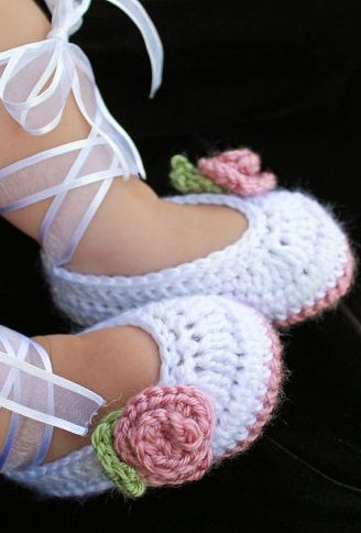 How to Crochet Baby Booties - Tutorial