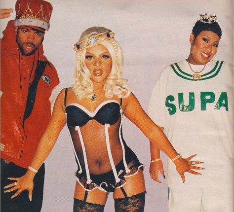 For those of you Varnista's who were around 20 years ago, take a trip down memory lane with some of these nail looks from the The ladies of hip hop and R&B, like Lil Kim and Coko of SWV a known for the brave fashion choices- righ .