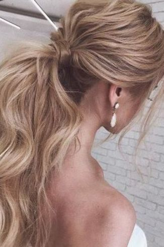 Best Wedding Hairstyles For Long Hair 2019 Wedding Planning Ideas Inspiration Wavy Wedding Hair Wedding Hairstyles For Long Hair Long Hair Wedding Styles