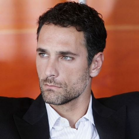 Raoul Bova Fan Page Official @raoulbovafanpageofficial Instagram photo • Yooying