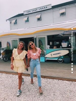 post your pics to to be reposted! we do not own these pics💫 dm us for credit 🦋love you all! Cute Preppy Outfits, Preppy Style, Trendy Outfits, Summer Outfits, Cute Friend Pictures, Best Friend Pictures, Cute Photos, Friend Pics, Wanderlust Travel