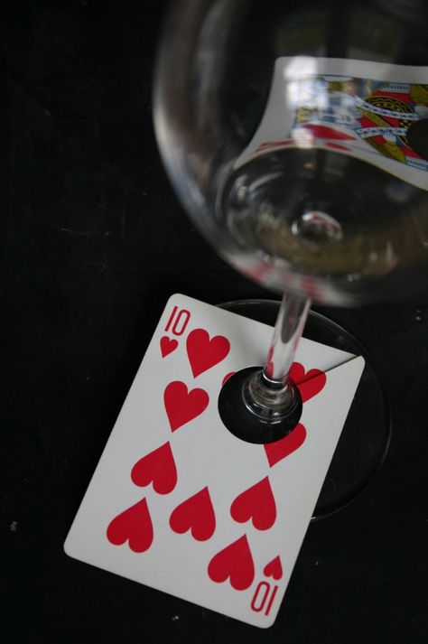 Such a perfect way to mark wine glasses for a party. #poker #party #watchwigs www.youtube.com/wigs