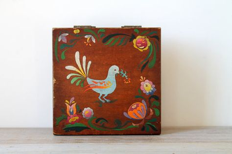Vintage folk style wood box / folk bird / by WhiteDogVintage, $52.00