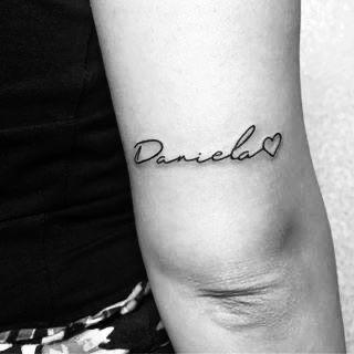 Tatuaje Nombre Tatto Tatuaje Taruajenombre Daniela Tattoname Ink Loveink Tatuajes De Nombres Tatuaje Nombre Hijos Tatuajes Delicados