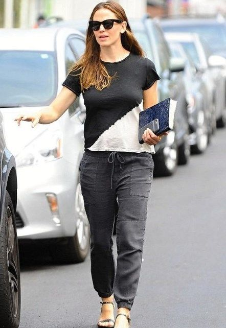 Style Tips For 40 Year Old Woman Fashion Fashion Tips For Women Jennifer Garner Style