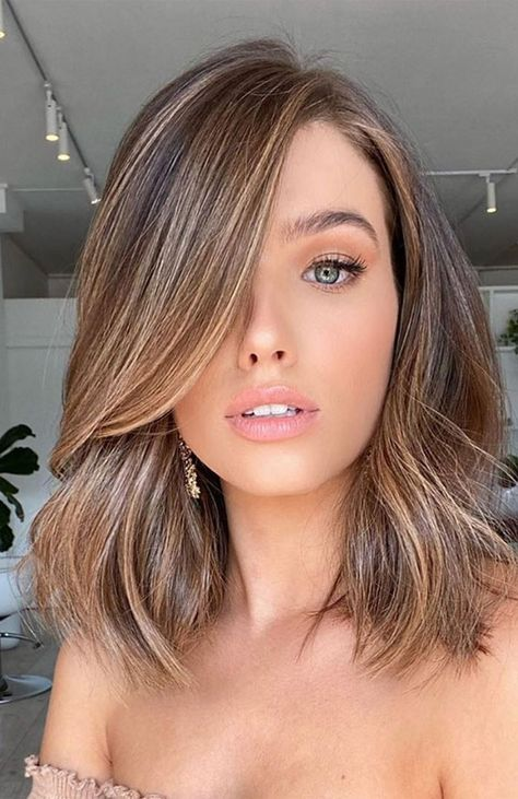 Brown Hair Balayage, Ombre Hair, Brunette Hair Color With Highlights, Brown Hair Colour, Brunette Fall Hair Color, Highlights Short Hair, Balayage Hair Brunette With Blonde, Brown Hair With Highlights And Lowlights, Fall Hair Color For Brunettes