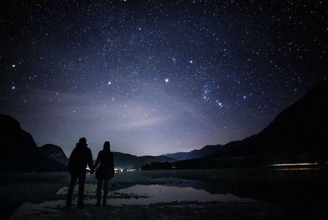 Baru 30 Gambar Kartun Melihat Pemandangan 20 Pemandangan Malam Penuh Bintang Yang Membuatmu Ingin Downloa Lukisan Pemandangan Kota Pemandangan Langit Malam