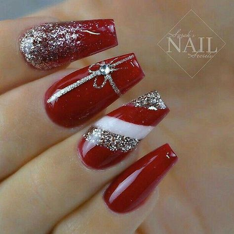 50 Beautiful Stylish and Trendy Nail Art Designs for Christmas #squovalnails