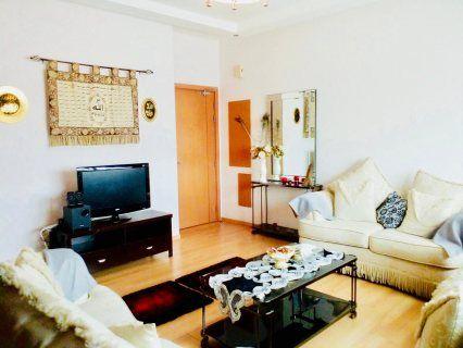 للإيجار شقة في برج افاري تاور مقابل ابراج اللولو وقريبة من مجمع الدانة البرهامة تتكون من غرفة وحمام وصالة ومطبخ ومصعد وموقف وسكورتي Home Decor Home Furniture