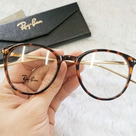 """Model: Ray Ban Summer Color: Dark Ounce Price: 💕 ⠀ Enter our Website: .br And enter the model name into the…"" - Store (@ Ray Ban Round Sunglasses, Cute Sunglasses, Sunglasses Women, Ray Ban Glasses, New Glasses, Fake Glasses, Glasses Frames Trendy, Glasses Trends, Lunette Style"