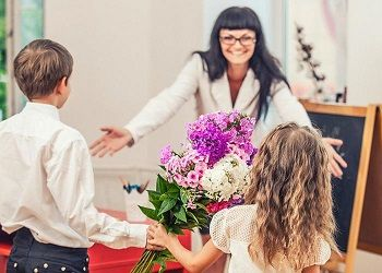 Celebrate Teacher S Day With The Best Florist Delivery Flower Delivery Singapore Best Teacher Gifts Teacher Gifts Teachers Day