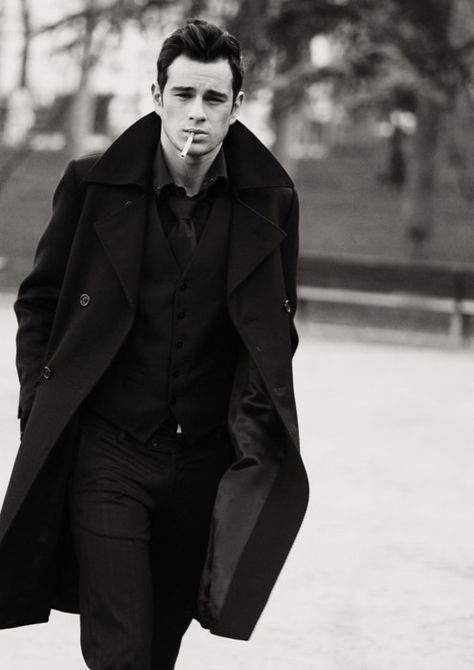 Classic cool. All black. Perfect hair
