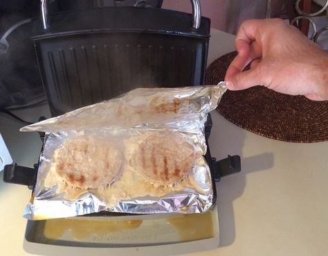 How To Clean A George Foreman Grill 3 Ways To Make Your Grill Practically Clean Itself George Foreman Recipes How To Cook Burgers George Foreman Grill