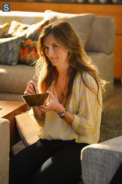 Grace Gummer as Julie Gelineau