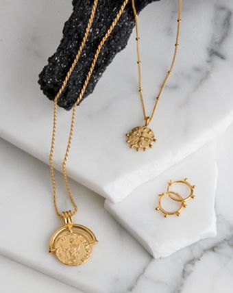 0638d347922ce Lucy Williams Gold Rising Sun Medallion Necklace in 2019 | Jewlry ...
