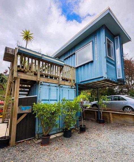 """Ideias Diferentes on Instagram: """"Casa com containers que o @livingbiginatinyhouse visitou e postou no canal dele do YouTube. Demais! 💙 #ideiasdiferentes • Confiram também o…"""""""