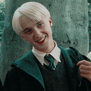 Draco Harry Potter, Magia Harry Potter, Harry Potter Icons, Mundo Harry Potter, Harry Potter Characters, Slytherin, Hogwarts, Drarry, Dramione