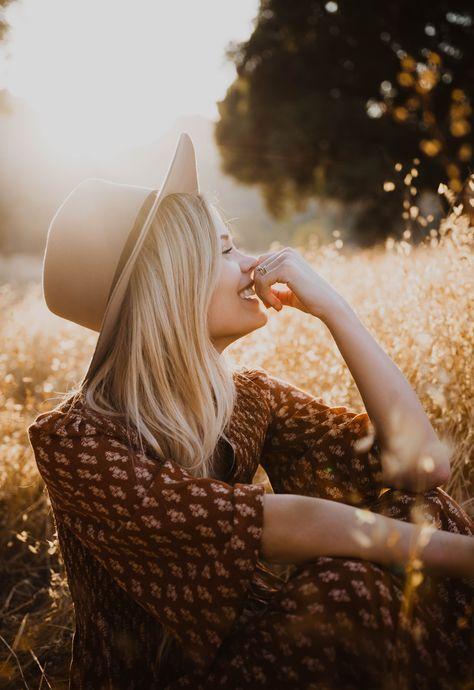 Outdoor Portrait Photography, Portrait Photography Poses, Photography Poses Women, Outdoor Portraits, Autumn Photography, Portrait Poses, Photo Poses, Hipster Photography, Woman Photography