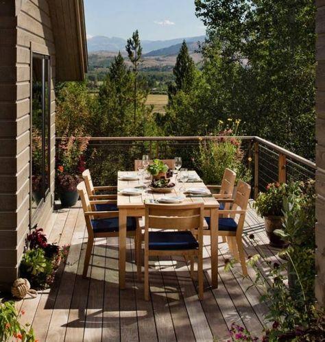 Essplatz auf dem Balkon - Geländer aus Stahl und Holz Garten - sitzecke im garten gestalten 70 essplatze