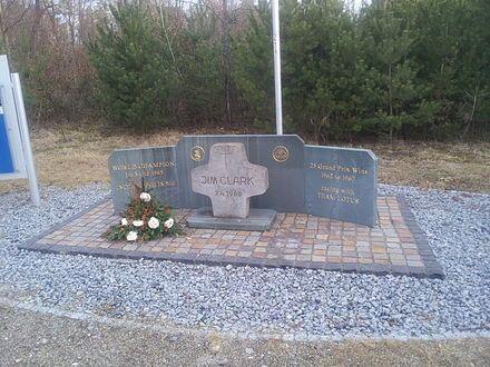 Monumento Erigido En El Lugar De La Muerte De Jim Clark 1936 68 Hockenheim Jim Clark Historic Racing