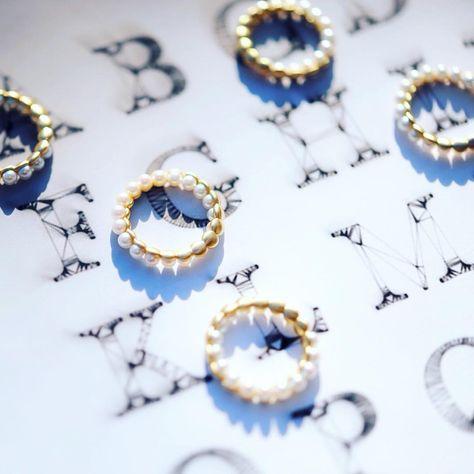 instajewelrydesign 18金の部分は、すっきりしたマットな仕上げになっています。...