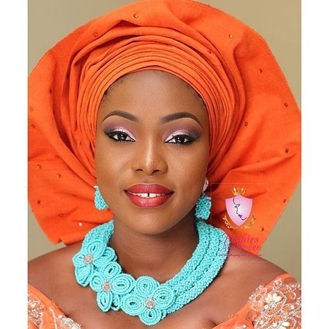 Trad look inspiration mua @pushiesmakeover #orangegele #beads #tradlook #promua #instapost